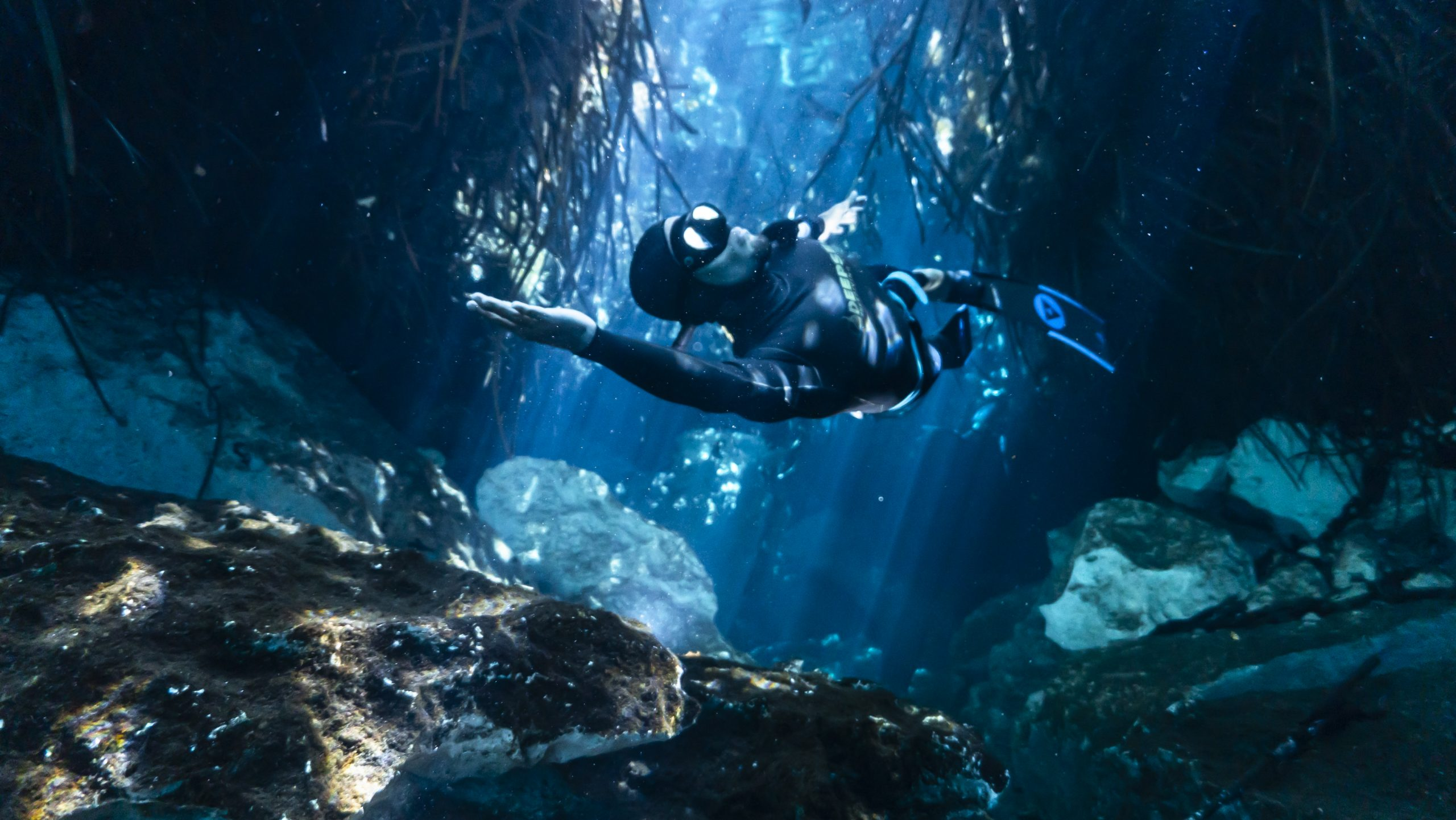 Carlos Coste freediving cenotes